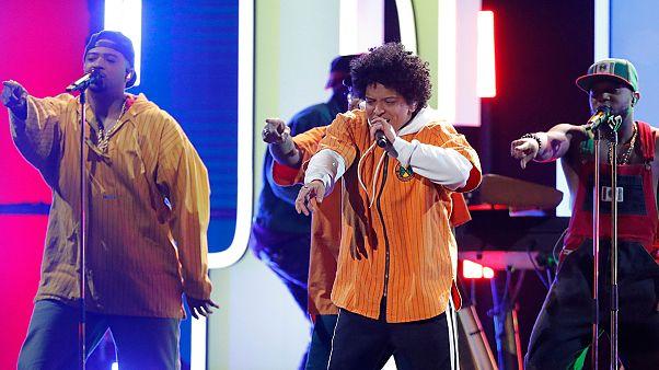 Bruno Mars tarolt a Grammy-gálán