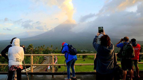 Filipinler: Mayon Yanardağı'nda volkanik hareketlilik