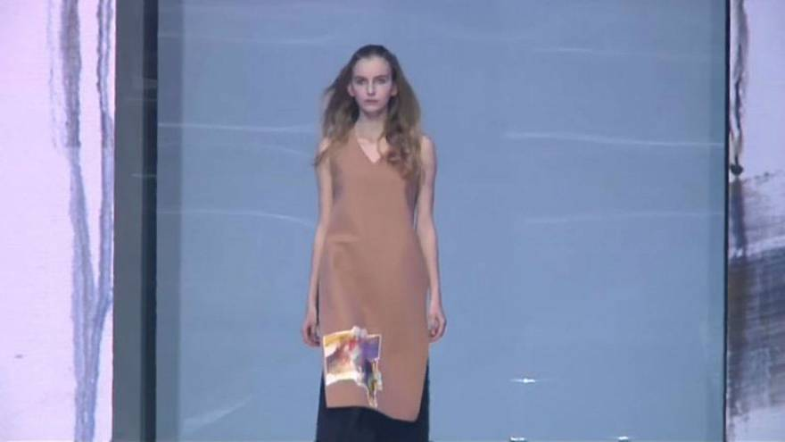 Russian models slogging it out in China