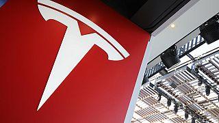 Tesla зарабатывает на электричестве