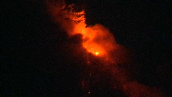 Mayon volcano spews lava in central Philippines