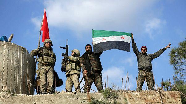 نیروهای ترکیه در کنار نیروهای ارتش آزاد سوریه در عفرین