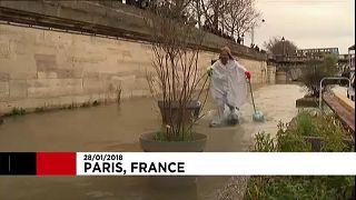 Tetőzött a Szajna Párizsnál