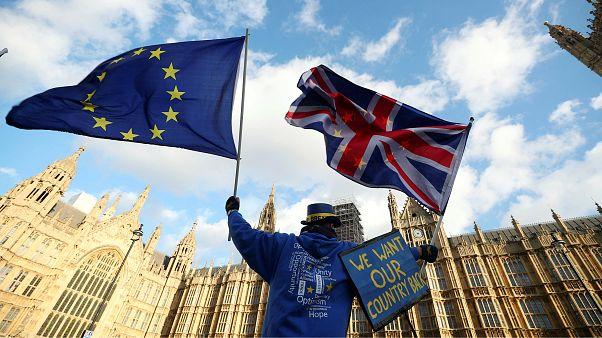İngilizler Brexit için yeniden oylama istiyor
