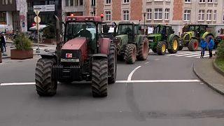 Çiftçiler AB-Mercosur anlaşmasını Brüksel'de protesto etti