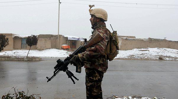 Kabil'de silahlı saldırıda 11 asker hayatını kaybetti