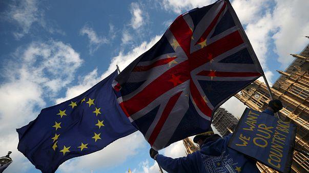 Brexit: Bruxelles detta le sue regole per il periodo di transizione