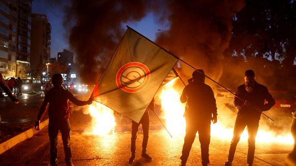 بالفيديو: الأزمة السياسية توقظ الشارع اللبناني