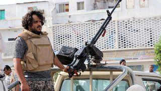 Jemenben nem szűnik az utcai erőszak