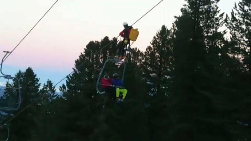 Avusturya'da mahsur kalan 150 kayakçı kurtarıldı