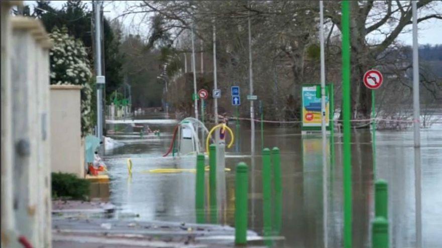 Misery for flooded Paris suburbs