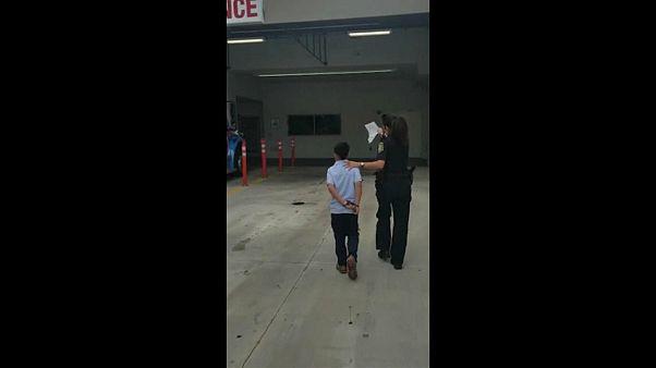 Флорида: почему на ребенка надели наручники?