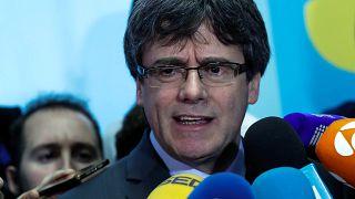 Le président du parlement catalan repousse la session d'investiture de Puigdemont