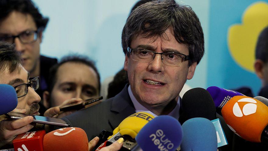 Elhalasztja az elnökválasztást a katalán parlament