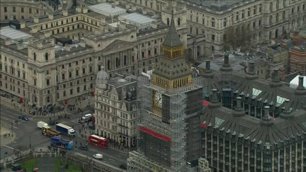 Британскую экономику ждёт спад при любом раскладе