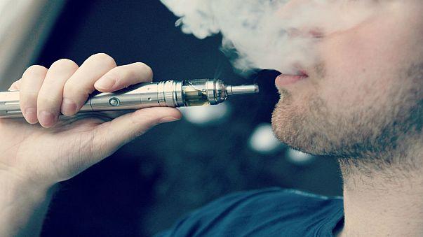 السجائر الالكترونية تزيد من مخاطر الإصابة بالسرطان والأمراض القلبية