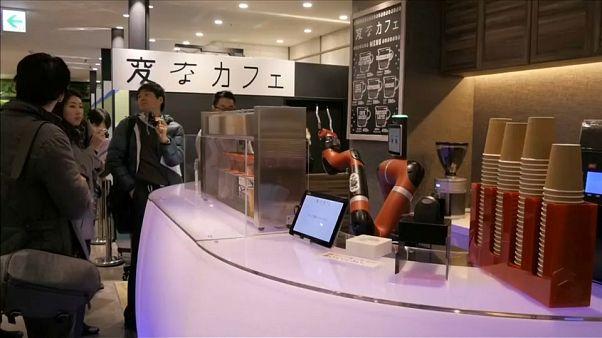 Robot barista no Japão