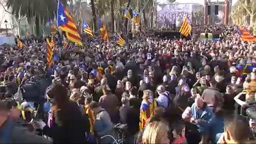 Halasztás és tüntetés Barcelonában