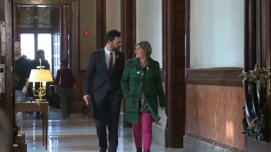 Deputados catalães aplaudem decisão de Torrent