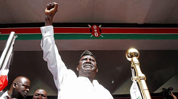 """Raila Odinga faz """"tomada de posse"""" simbólica no Quénia"""