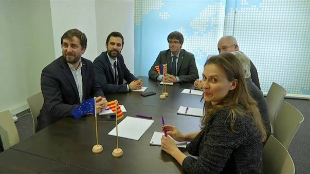 Aplazada sine die la investidura de Puigdemont