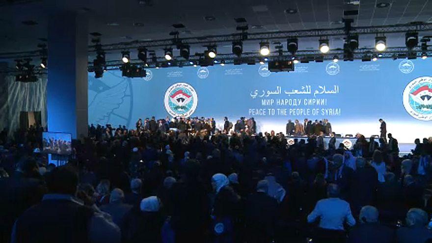 Congresso para o Diálogo Nacional Sírio de Sochi chega ao fim