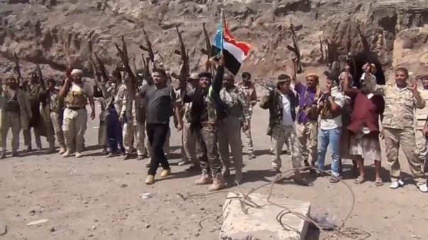 Yemen'de hükümet kuşatma altında
