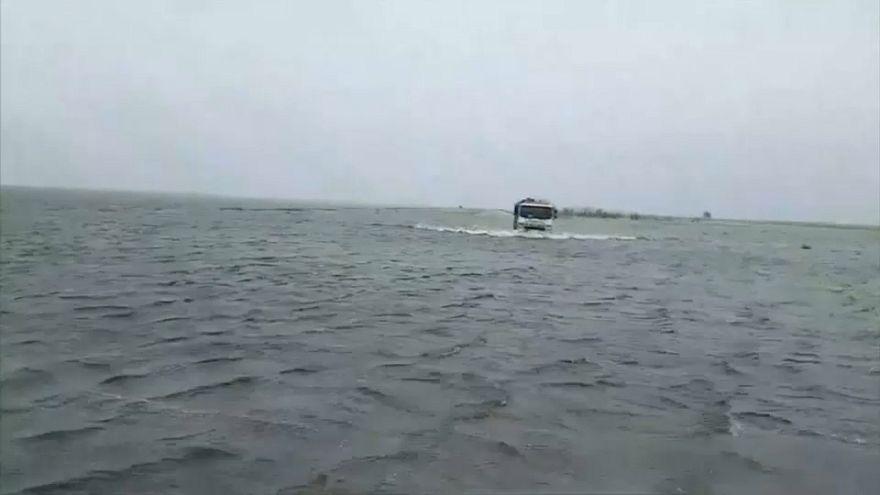 بالفيديو: كأنّك تقود في محيط