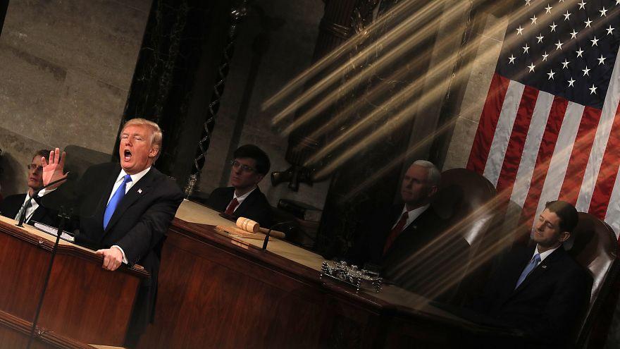 """ترامب: الشعب الأمريكي منقسم ولن يوحده سوى """"حدث هام"""""""