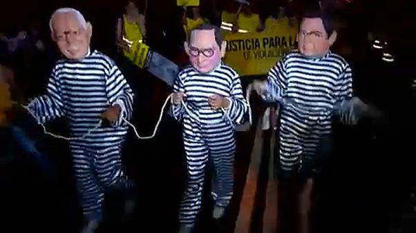 Fujimori megosztja Perut