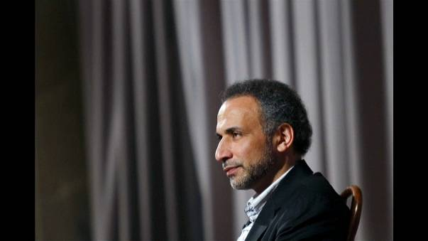جدل محتدم بين غاضب ومدافع عن إيقاف طارق رمضان