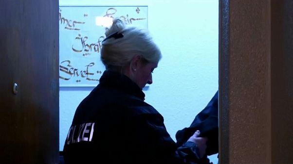Deutschland: Polizei nimmt Menschenschmuggler fest