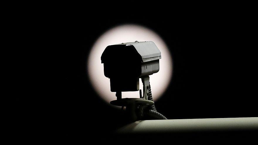 Nueva aplicación de Edward Snowden convierte tu teléfono en un sistema de seguridad personal para tu casa.