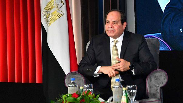 """خلال افتتاحه حقل غاز في بورسعيد.. السيسي: """"أنا لست سياسيا بتاع كلام"""""""