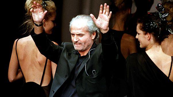 Berlin Versace'yi anıyor