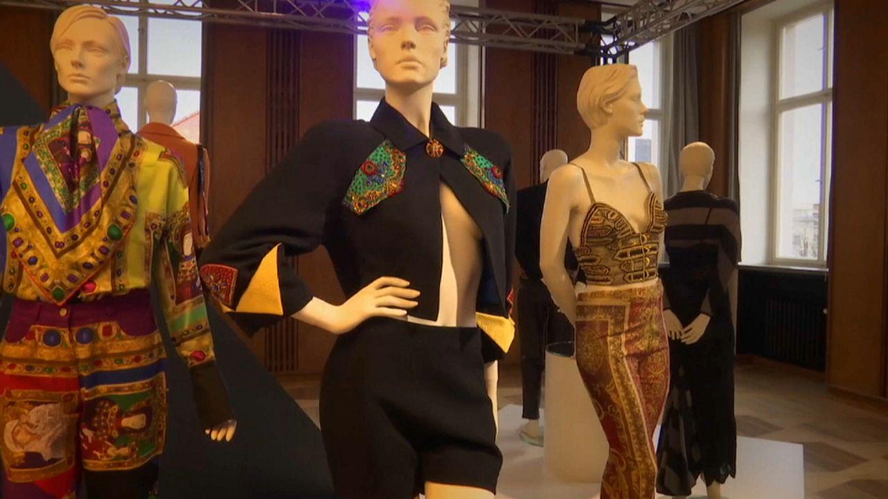 Berlim recebe a maior exposição de homenagem a Gianni Versace.