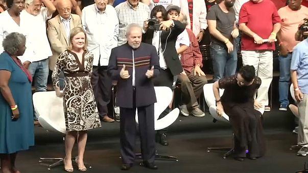 Лула да Силва лидирует в соцопросах