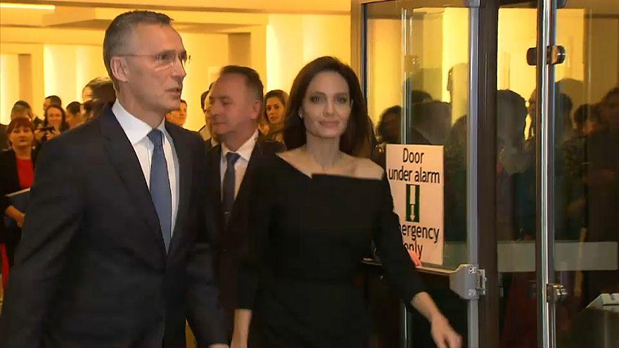 Джоли и НАТО: вместе против насилия