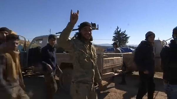 """Civis """"castigados"""" pela ofensiva turca no noroeste da Síria"""