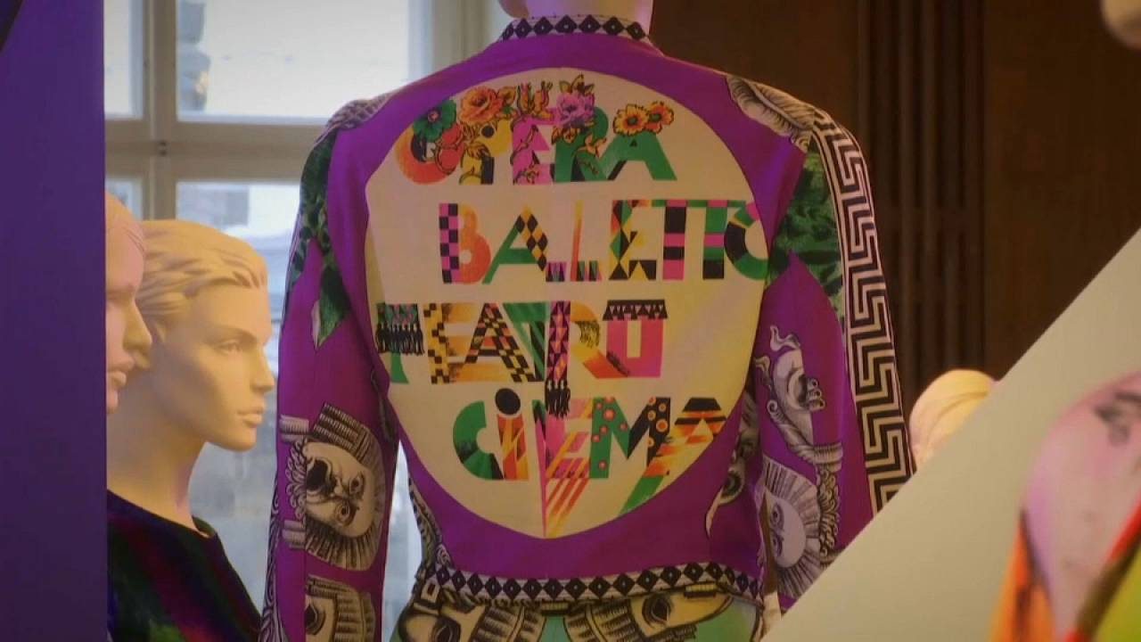 20 ans après sa mort, hommage à Versace