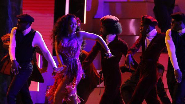 السنغال: المغنية الأميركية ريانا شخصية غير مرغوب فيها