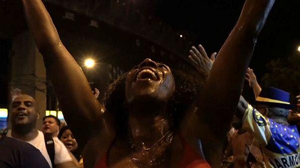 Carnaval lança grito contra a escravatura