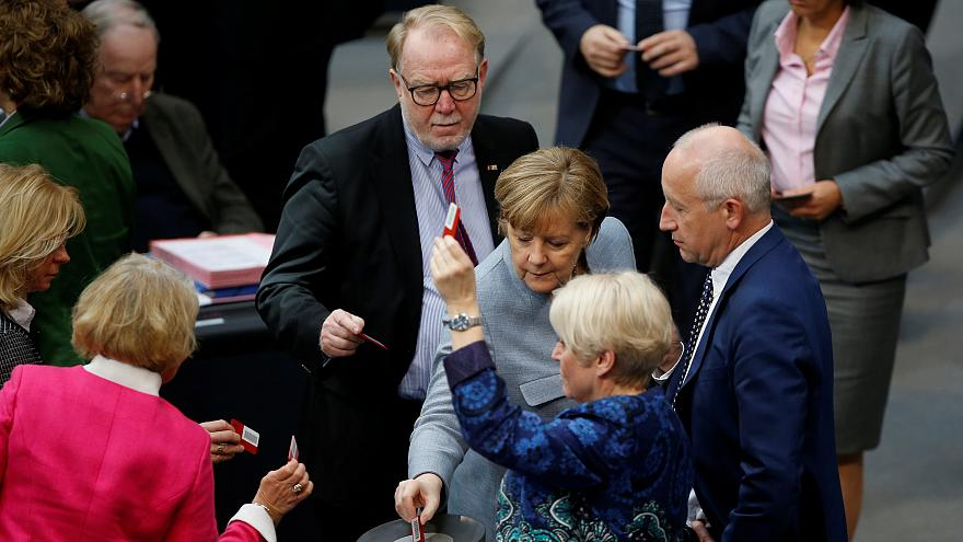 Bundestag beschließt: Familiennachzug bleibt ausgesetzt