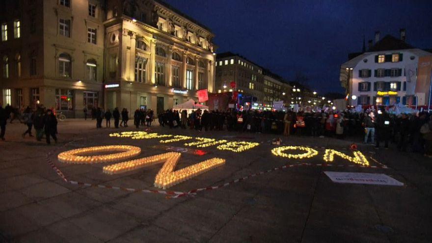 Manifestazioni in Svizzera contro il voto per abolire il canone tv