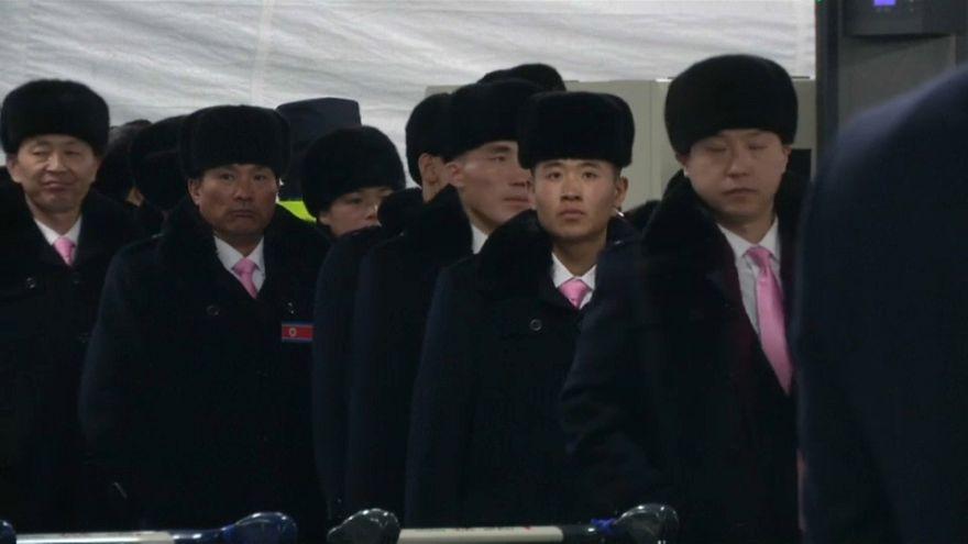Los 'olímpicos' norcoreanos llegan a Corea del Sur