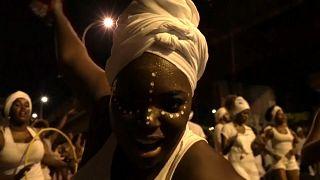 Rio Karnavalı'nda kölelik göndermesi