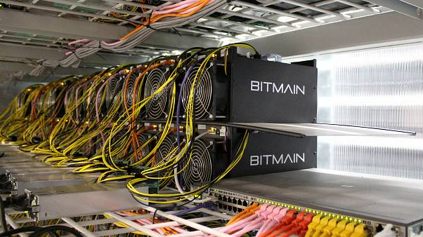 Une « ferme de minage » de Bitcoins en Islande.
