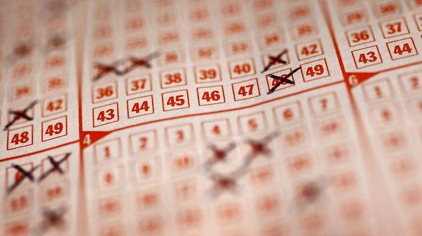 Muore tre settimane dopo aver vinto 1 milione di dollari alla lotteria