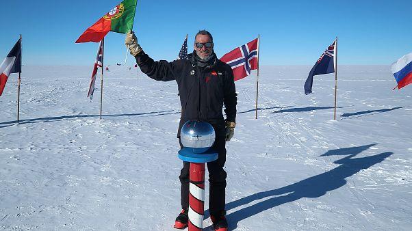 """O """"cromo"""" que levou a solidariedade ao Polo Sul"""