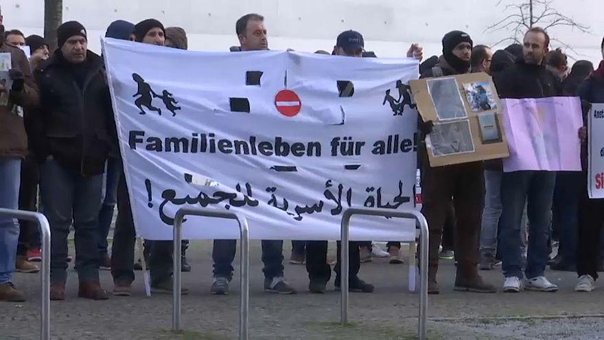 Воссоединение семей беженцев в ФРГ отложено